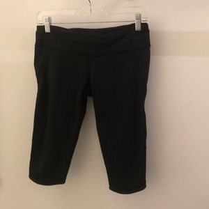 lululemon athletica Pants - Lululemon black crop bike shorts sz 8 67686